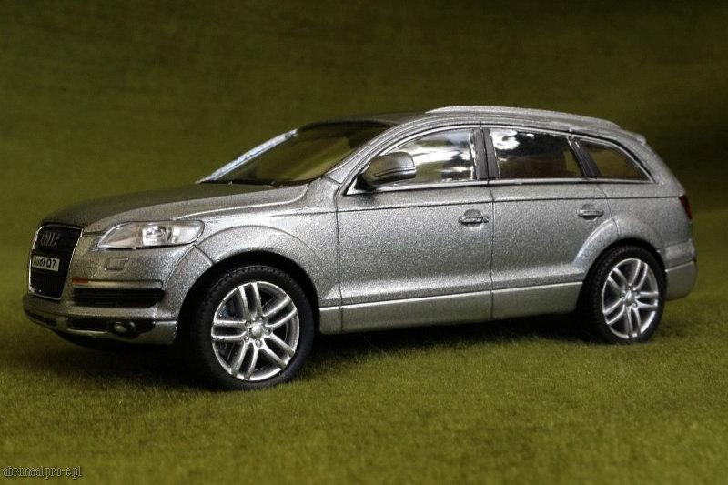 Audi Q7 Abrimaal 1 43 Scale Diecast Cars